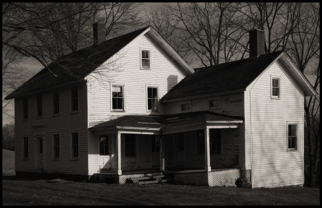 Vacant farmhouse, Bridgewater, Connecticut © Steven Willard